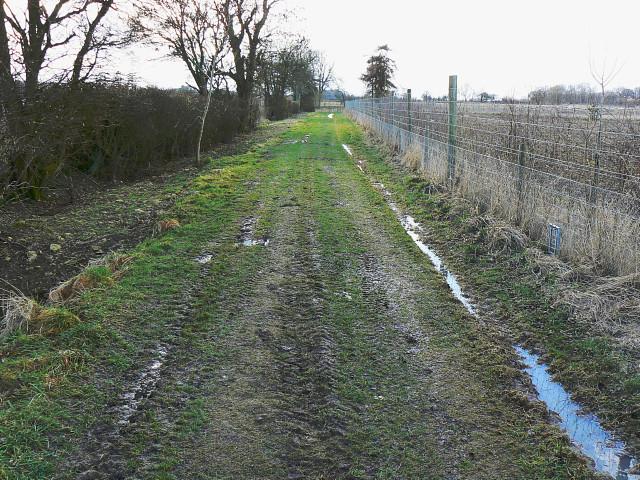 A footpath north of Yatesbury