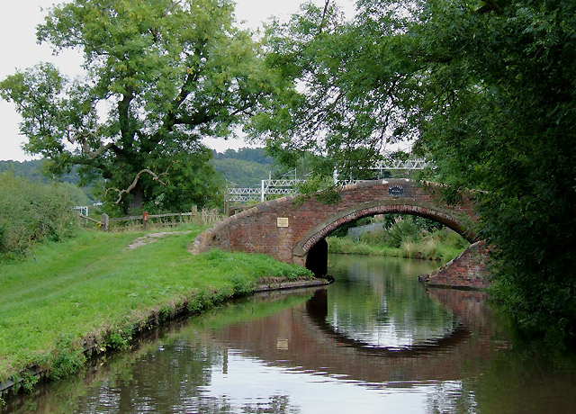 Bridge No 105, Staffordshire and Worcestershire Canal at Milford