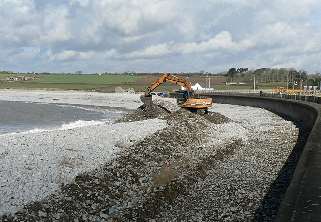 Re-grading the sea defences, Breaksea Point, Gileston.