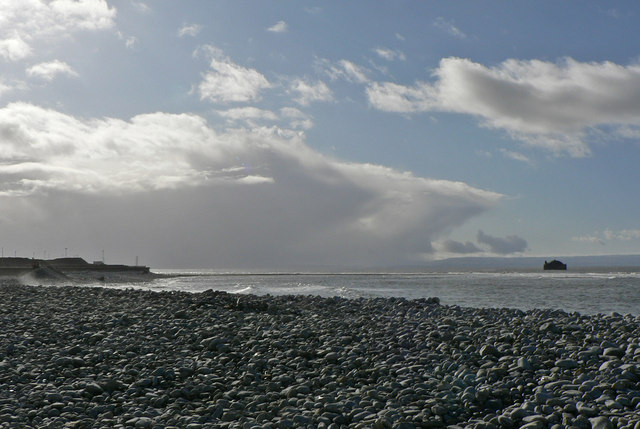 Up channel squalls, Breaksea Point, Gileston.