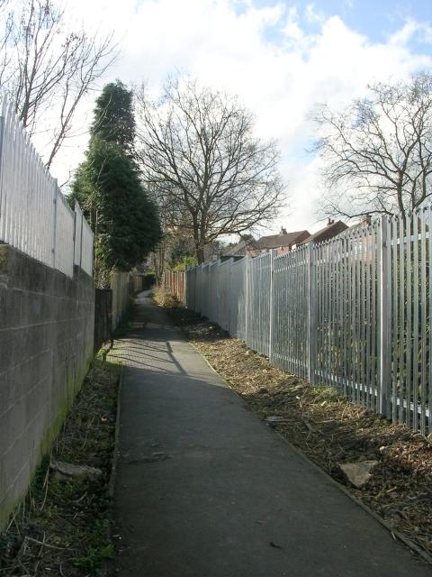 Footpath - Carlinghow Lane