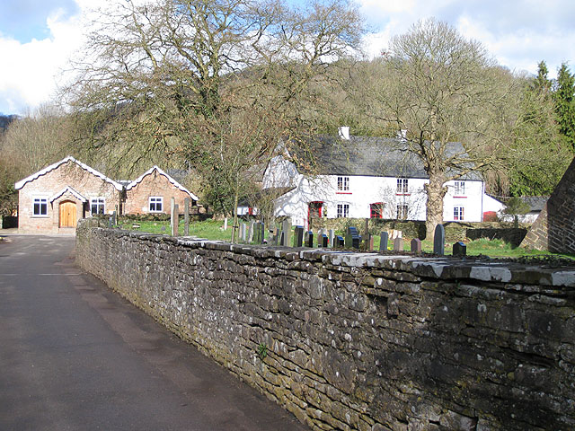 Churchyard wall, Skenfrith