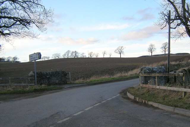 Knapp Road at its junction with Tullybaccart / Abernyte Road
