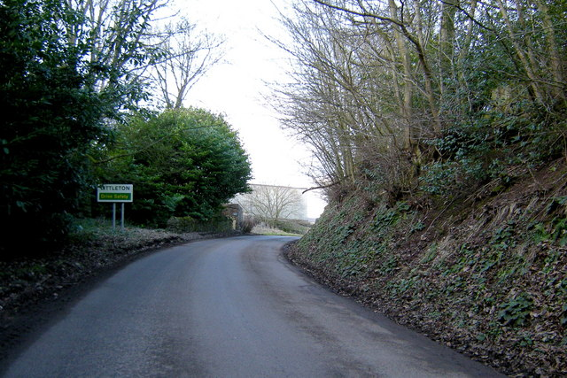 Approaching  Littleton on the Abernyte / Tullybaccart  Road