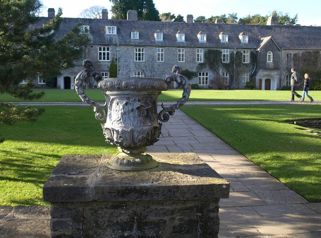 Urn, Dartington Hall