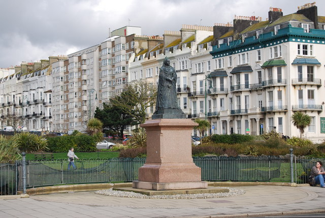 Queen Victoria, Warrior Square, St Leonards
