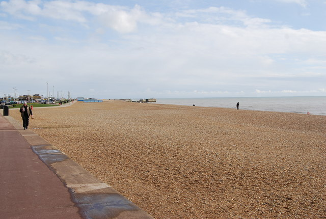Hastings Beach looking East