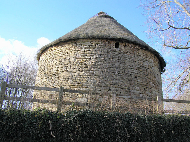Dovecote in Wellow