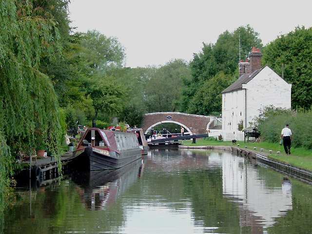 Approaching Tixall Lock, Staffordshire and Worcestershire Canal