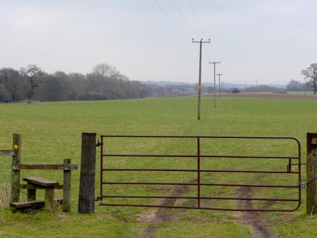 Footpath east from Chelford church