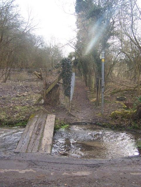 Footpath on Goddington Lane
