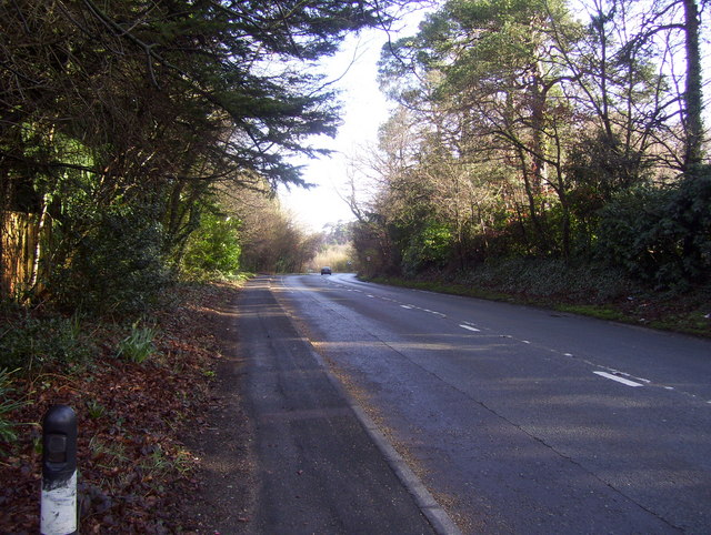 Winchester Road / Bournemouth Road, Chilworth - looking towards the bridge over the M3
