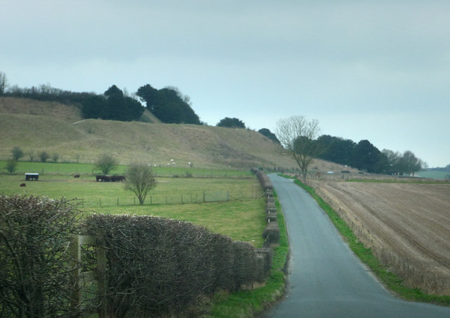 Road passing the north side of Old Sarum