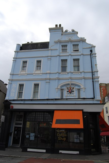 Hastings Coat of Arms on a blue building, High St, Old Town