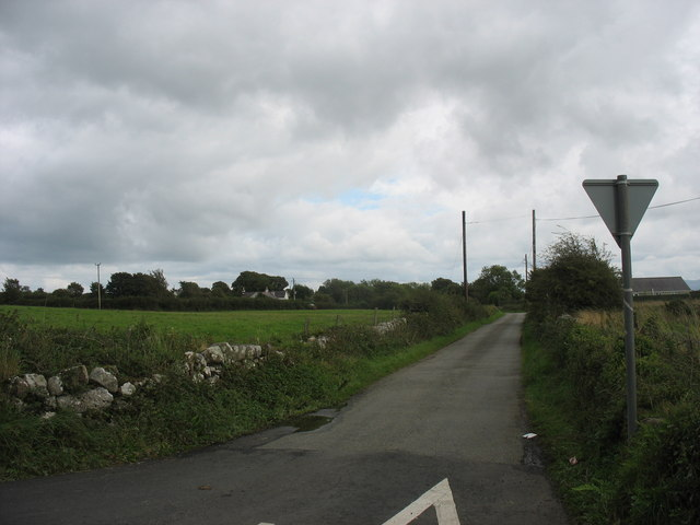 Narrow lane providing a short cut between the B5110 and the B5108