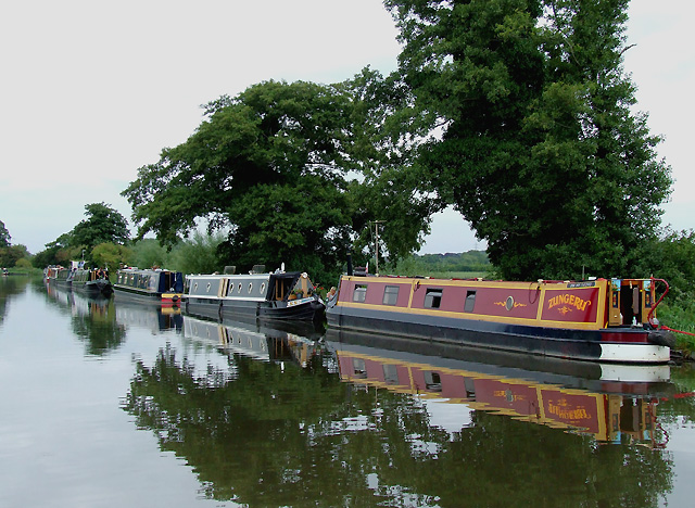Staffordshire and Worcestershire Canal, Tixall Wide, Staffordshire