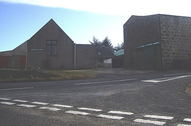 Road junction by Mains of Keir