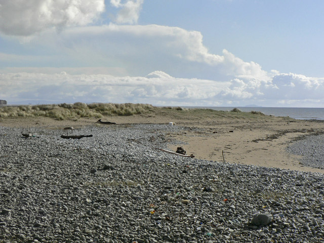 Dune at the eastern end of  the Leys Beach, Aberthaw.