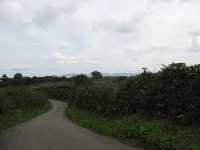Approaching the disused quarry