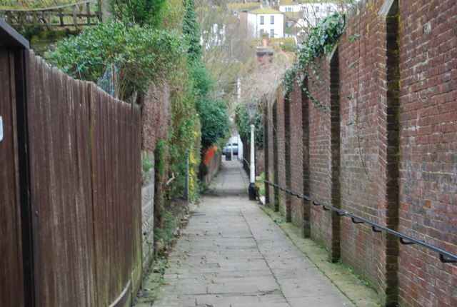 Footpath leading down to the Old Town