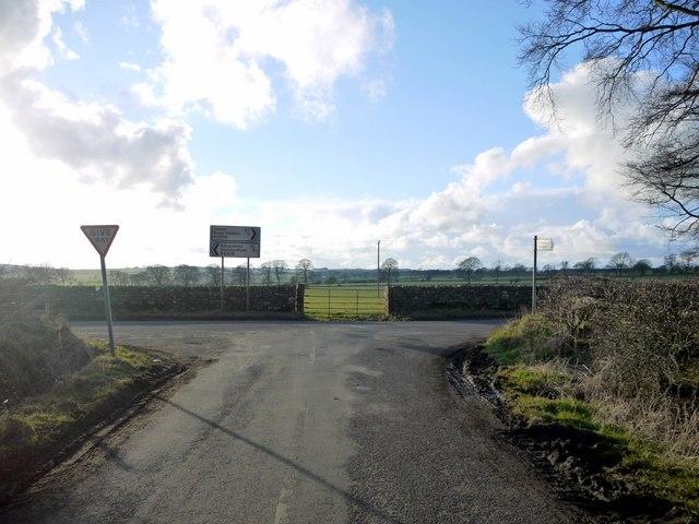 Road junction south of Black Heddon