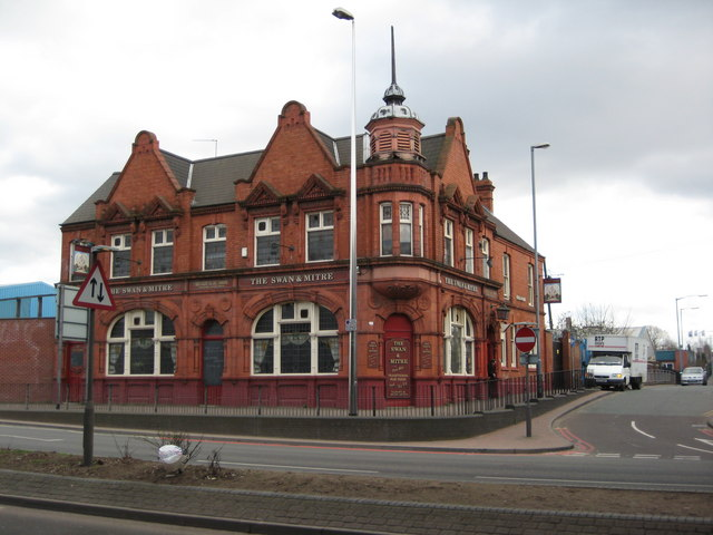 The Swan and Mitre, Aston