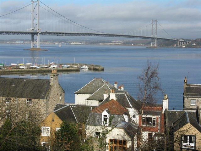 Queensferry houses and harbour