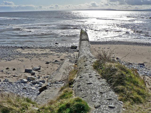 Concrete Groyne, Leys Beach