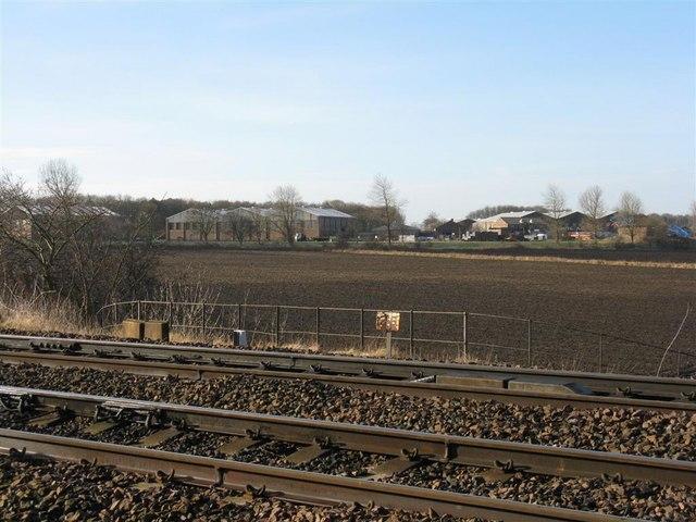 Looking across the railway at Dalmeny