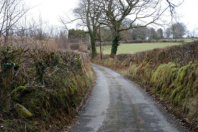 Minor road heading for Cefncoed Uchaf