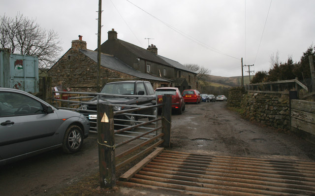 Cattle grid and parked cars, Middle Salter