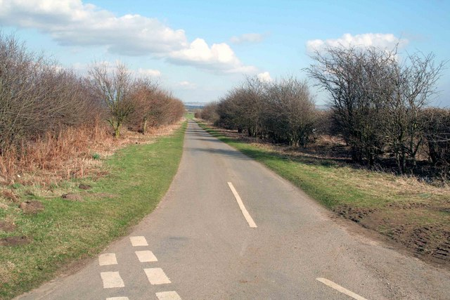 The road to Snitterby Carr
