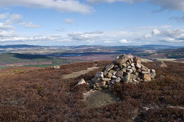 Cairn on the northeast spur of Pannanich Hill