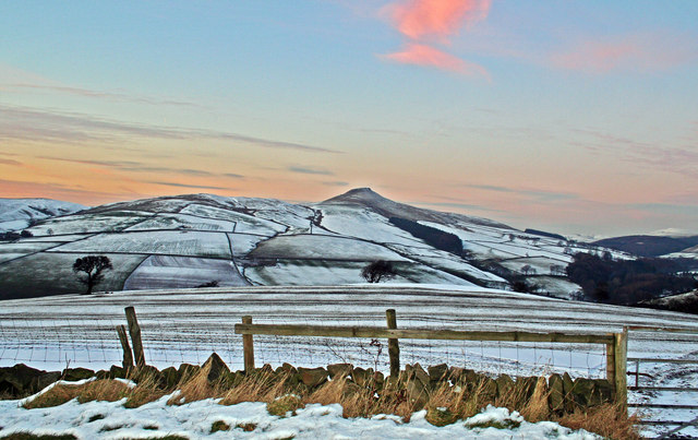 Winter's evening on Shutlingsloe