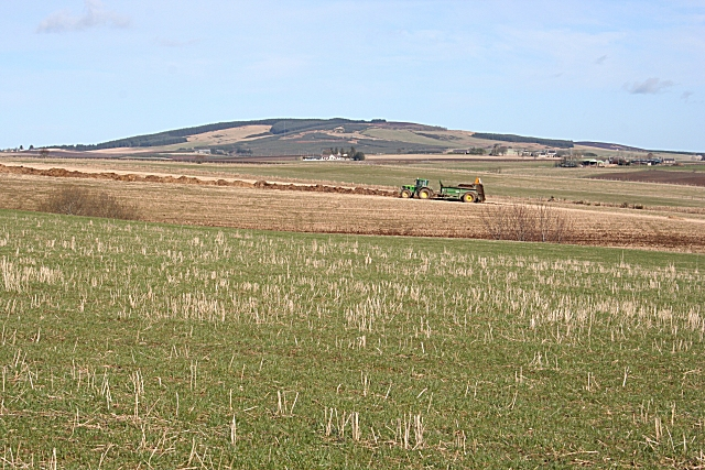 Muck-spreading at Mains of Paithnick