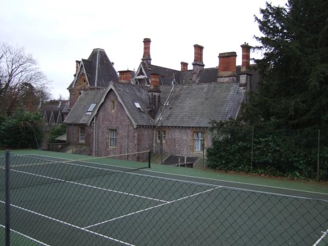 Tennis court at Brunel Manor