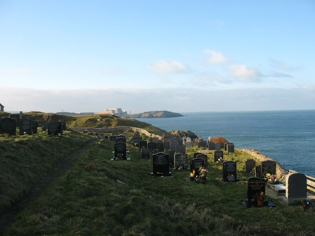 A  resting place on the cliff edge - the cemetery at Llanbadrig