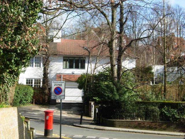 Oak Hill Park, Hampstead