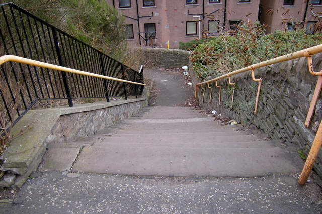 Steps leading from Wellbraehead, Forfar to Goosecroft