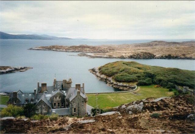 Abhainnsuidhe castle and view, Harris