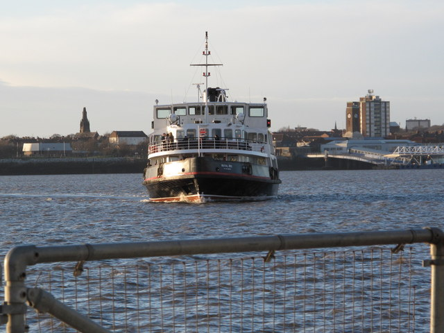 Approach of the Birkenhead Ferry