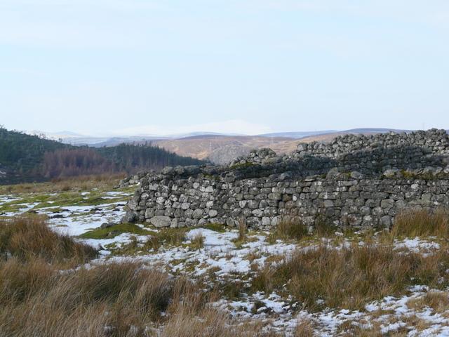 Walled enclosure at Achinael