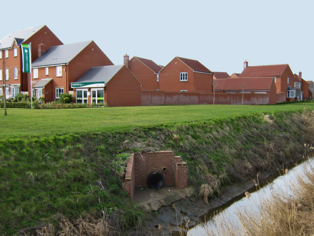 New houses and old rhyne, Bridgwater