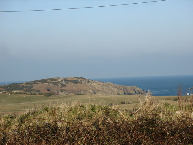 View from the A5025 in the direction of Wylfa Head