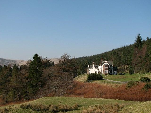Victoria Lodge near Talla Reservoir