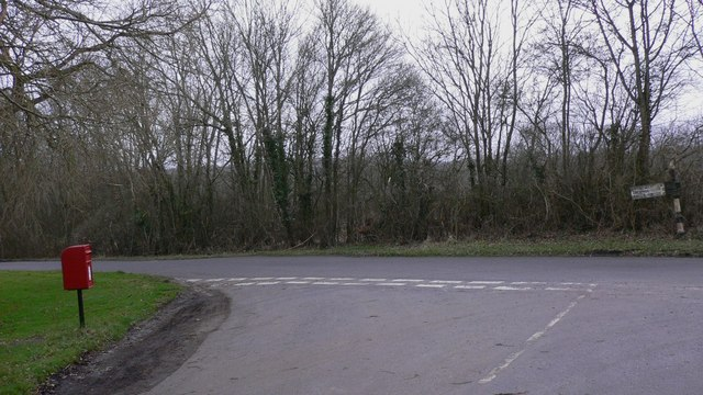 Road junction by Highnoons Farm