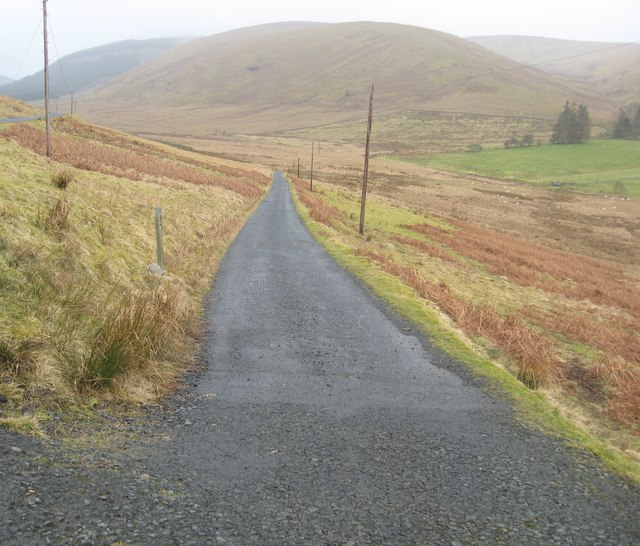 Road leading to Altrieve Farm