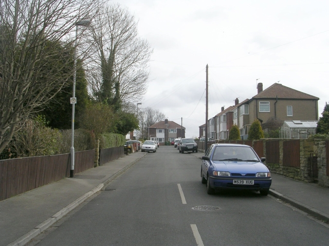Kingsley Avenue - Featherstone Lane