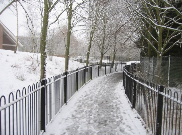 Footpath alongside the Vyne School