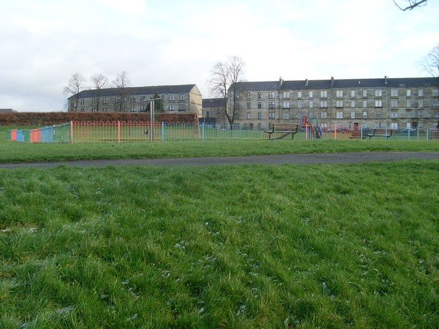 Small playpark by Seedhill Road